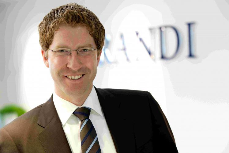 Bundestag soll 100 Scheinselbstständige beschäftigt haben