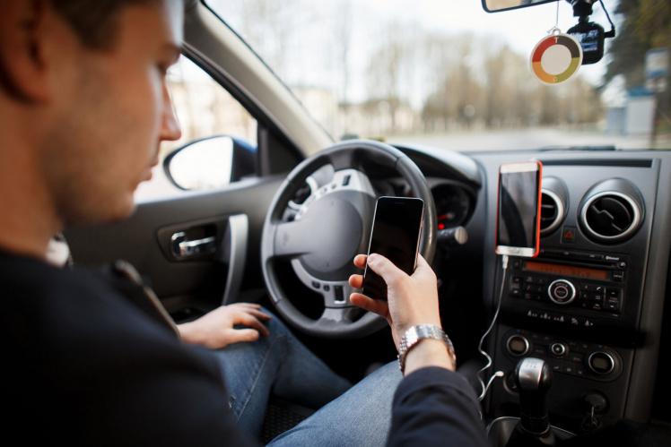 StVO-Panne könnte sich ausweiten: Regeln zur Nutzung des Handys am Steuer auch unwirksam?