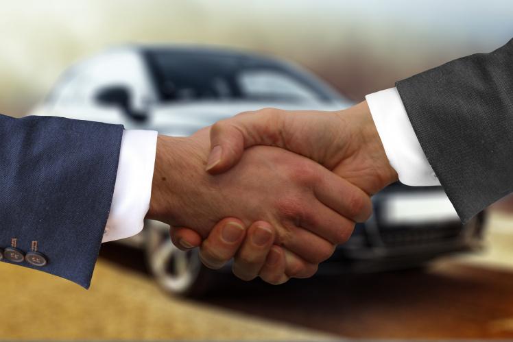 Das OLG Düsseldorf hat die Rückabwicklung eines Autokaufs angeordnet. Der VW Passat sei aufgrund der unzulässigen Abschaltautomatik mangelhaft.