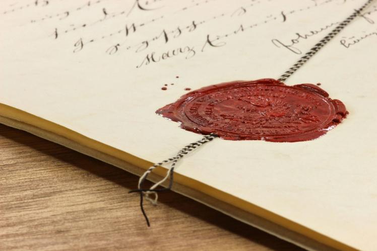notarielle Beurkundungen aller Verträge bei Kaufvertrag Grundstück samt baurechtlichem Vertrag