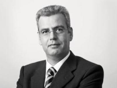 Emittentenrisiko bei Lehman-Zertifikaten: OLG Köln verurteilt Commerzbank zur Zahlung von Schadensersatz