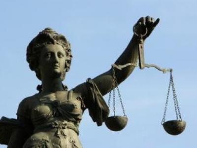 Kann man den fliegenden Gerichtsstand durch Einreichung einer negativen Feststellungsklage aushebeln?