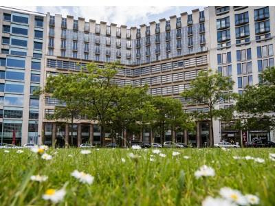 VZBV fordert Grenze für Extra-Gebühren