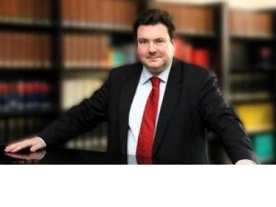 Gericht gibt erste Hinweise zur Publizitätspflicht von Porsche und Volkswagen