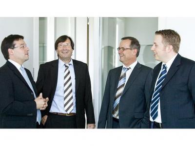 DEGI International Öffnung - Klage Commerzbank Allianz Bank, öffnet er?