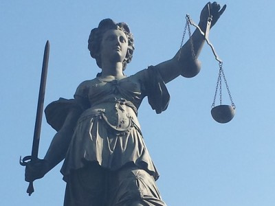 Landgericht Magdeburg verurteilt Premium Safe Vermittler zum Schadensersatz