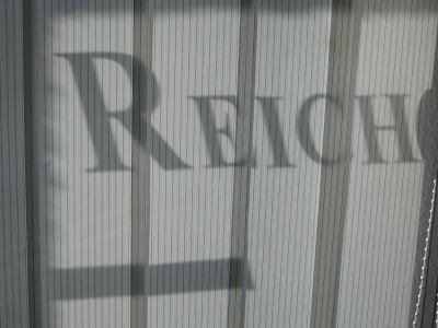 Liquiditätsengpass, Kündigung des Kontokorrentkredits, Verwertung von Grundpfandrechten, Immobilie in der Zwangsversteigerung, gescheiterte Verhandlungen mit der Bank, Umfinanzierungen, Umschuldung, Entschuldung: Rechtsanwälte Zorn Reich Wypchol Döring,