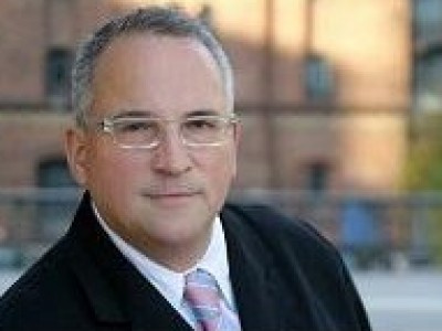 Lloyd Fonds AG will Schiffsfondsanleger zu Aktionären machen: Wie sollen die 18.000 Anleger abstimmen?