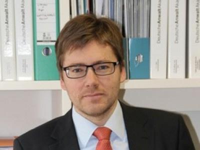 OLG München geht mit Anwalt, der Treuhänder war, streng ins Gericht