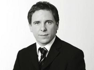 "Schiffsfonds ""Hansa Treuhand Flottenfonds V"": Anleger erhält Schadensersatz -  Commerzbank verzichtet auf Berufung"