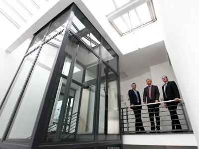 Schufa-Holding AG überprüft selbst Eintrag der Santander Consumer Bank AG und löscht diesen