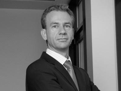 Steuerberater Köln/Bonn für Ärzte und Zahnärzte: Heilberufe unterliegen Besonderheiten