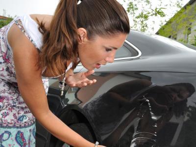 Unfallflucht: Fahrverbot kann bei langem Zeitraum zwischen Tat und Urteil unangemessen sein