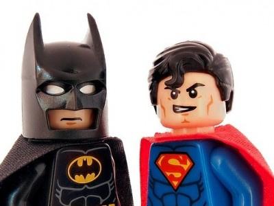 """Waldorf Frommer spricht Abmahnungen wegen des Films """"Batman v Superman"""" aus"""