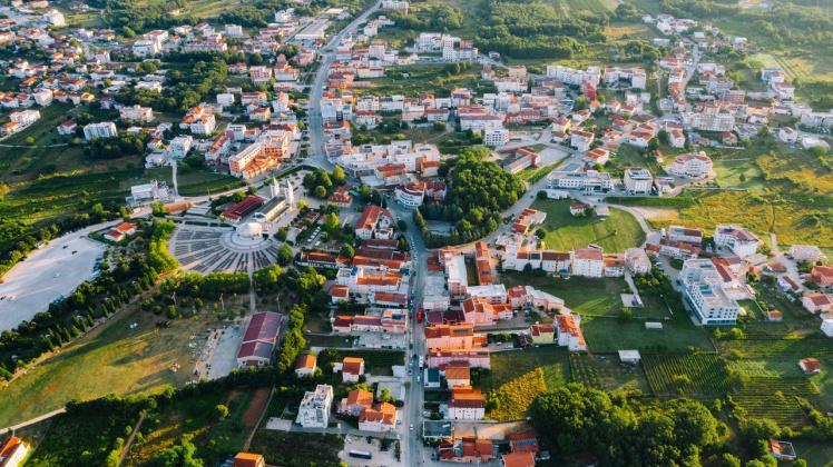Vorteile von Erbpacht und Erbbaurecht 2021 - Landschaft mit Häusern