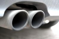 Was hat der Staat im Diesel-Abgasskandal unternommen, um die geschädigten Verbraucher zu unterstützen? Nicht viel, sagt die Kanzlei Dr. Stoll und Sauer.