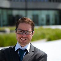 Dr. Christian Velten