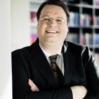 Dr. Thomas Durchlaub, MBA