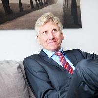 Dr. Thomas Schulte